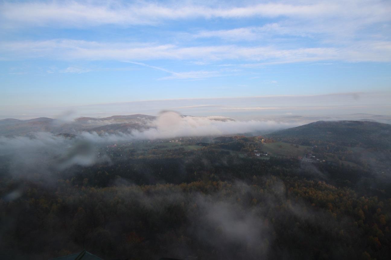 Jonsdorf mit Nebelwalze